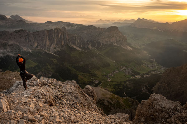 The sunrise summit views from Cima Pisciadiu
