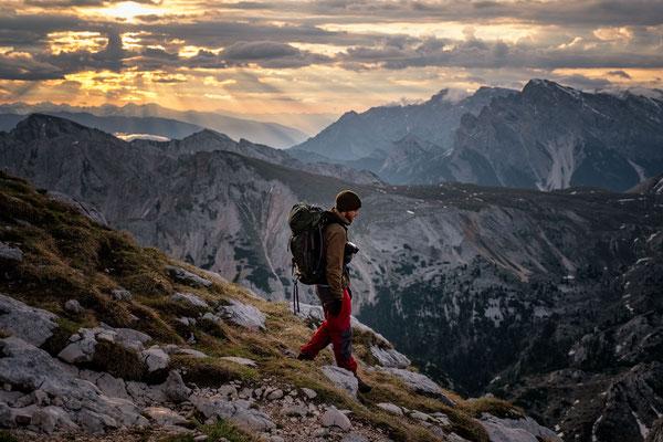 Descending from the summit of Croda del Becco back to rifugio Biella