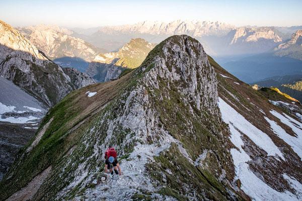 The narrow ridgeline leading to Forcella de Zita Sud
