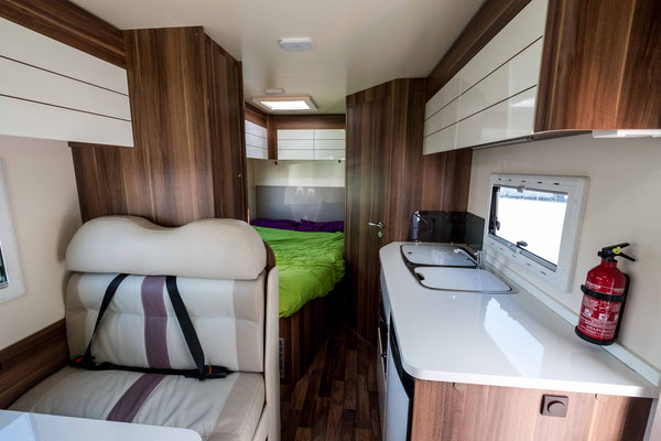 Inside of a 6 berth Jucy motorhome