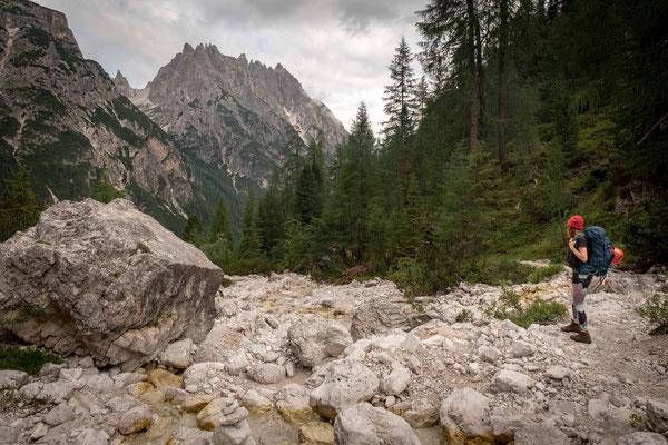 The route no. 105 to rifugio Locatelli