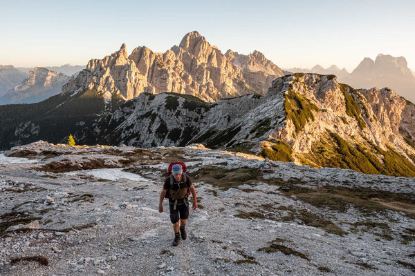 Hiking up to Forcella de Zita Sud with Mount Moiazza in the background