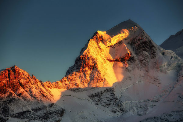 Alpen Glow. Guide to Berg Lake Trail - Mount Robson Provincial Park in Canada
