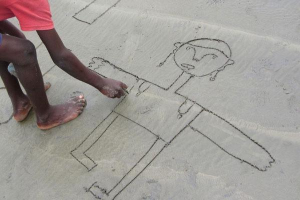 GHANA impression 2011/12 / ich zeichne mit kindern am strand ...
