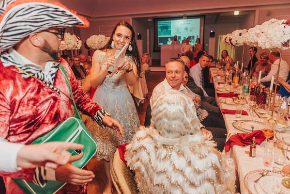 Schuhklau Tamada russische Hochzeit
