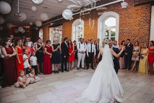 Vater Tochter Tanz russische Hochzeit
