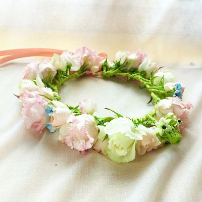花嫁様の花かんむりイメージです
