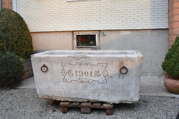 23.12.2020 - Brunnentrog für neue Eingang - Fountain trough for new entrance