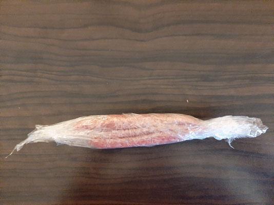Dann füllen wir mit diesen Faserbündeln die Muskelhülle und fertig ist der Muskel mit seiner Faszie
