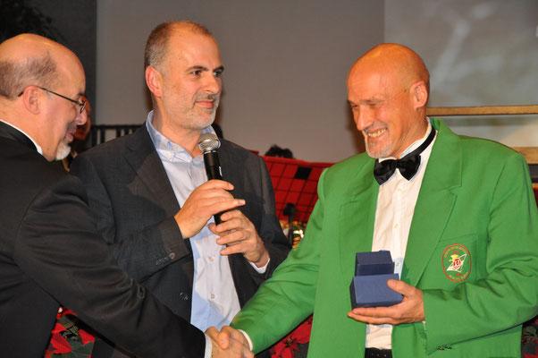 Claudio Fedrizzi Premiato dal Presidente Marco Pauletti