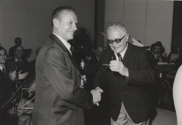 Guido Zanolli premiato dal Presidente Marconi