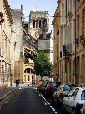 Bordeaux, 1