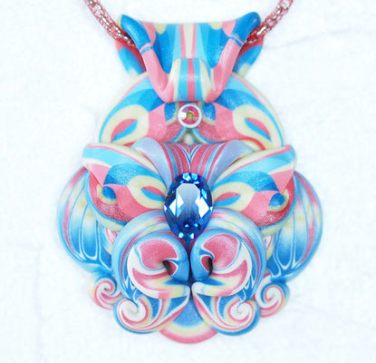 シヴァ2013-1 ポリマークレイ、ガラスビーズ 7×5.5×1.8cm 2013