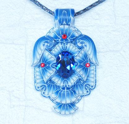 天使ペンダント2012-1 ポリマークレイ、ガラスビーズ 7.5×5×1.5cm 2012