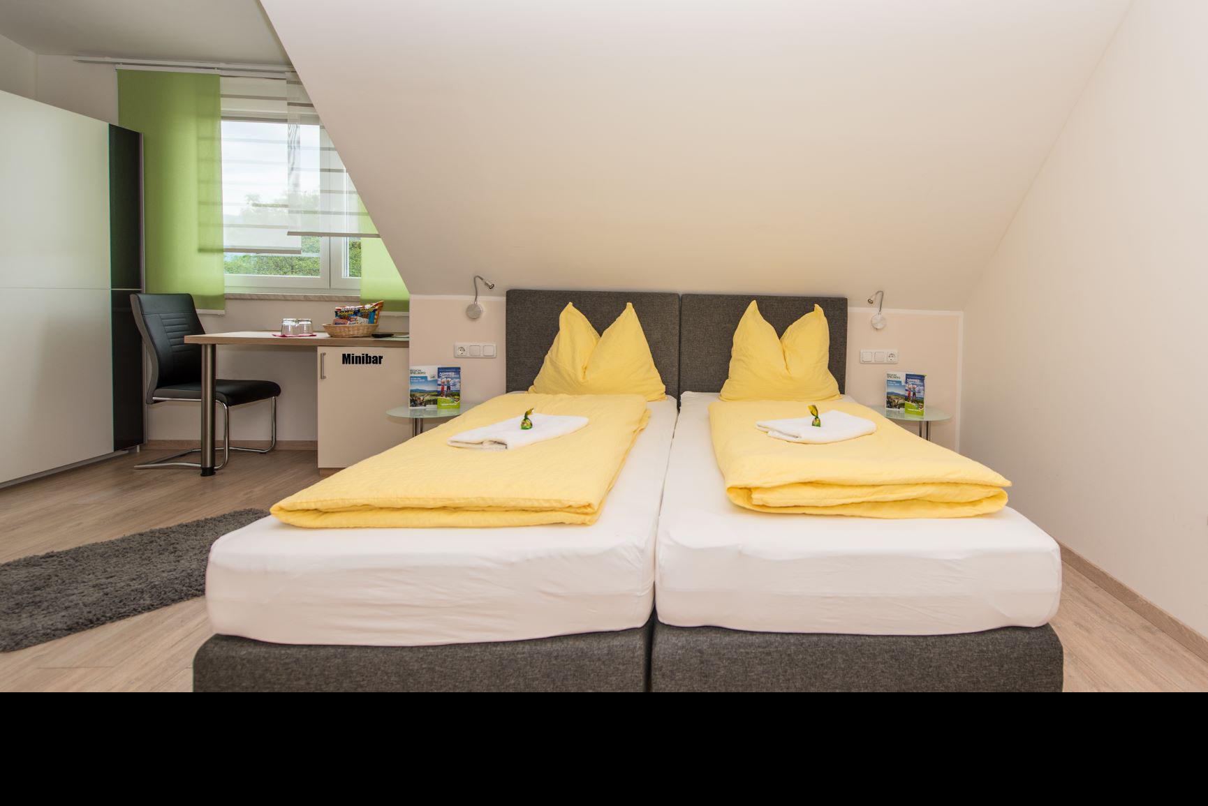 Doppelzimmer in Spielberg in der Nähe des Red Bull Rings bei Ferienwohnung-Zimmer Yassi