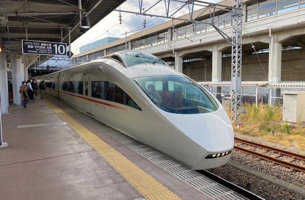小田急ロマンスカー 50代一人旅
