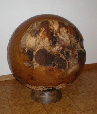 Robinienholz Kugel 60cm Durchmesser