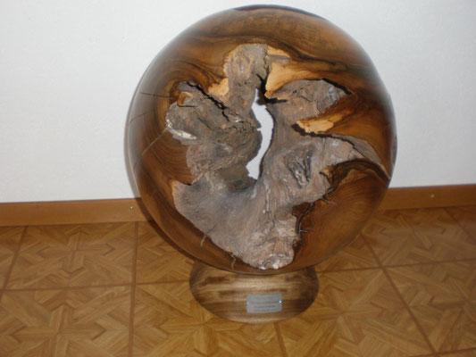 Nussbaumkugel 58 cm Durchmesser