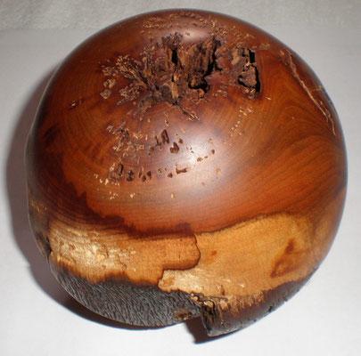 Zwetschgenbaumholz  Kugel