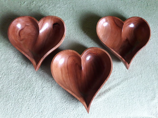 Herzschale Apfelbaumholz