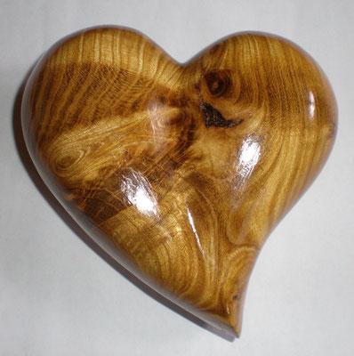 Goldregenholz Herz