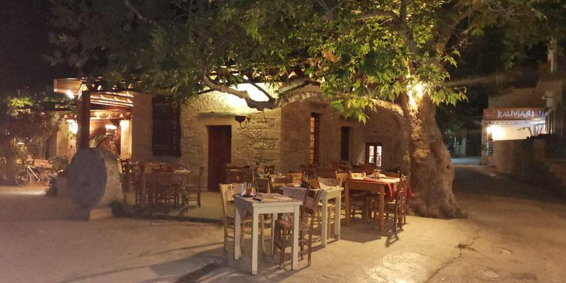 Restaurant Gramvousa bei Nacht Kreta