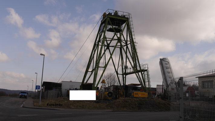 Hilfsförderanlage über Schacht Waidmannshall oder Schacht 1. Das originale Strebengerüst wurde 1996 beim Abriss des Werkes Niedergeführt.