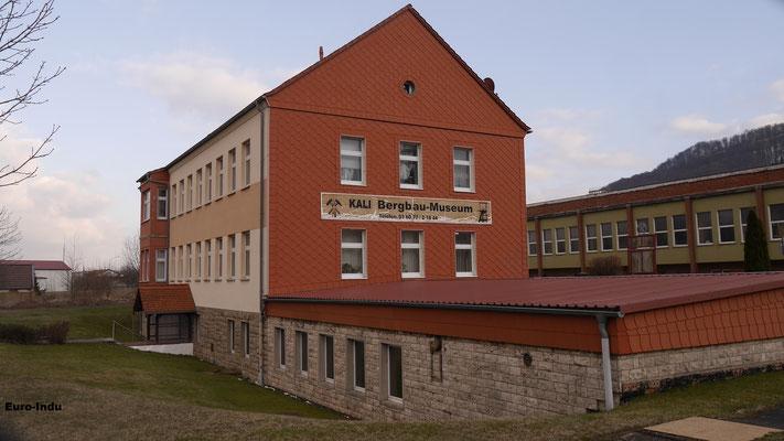 """Gebäude des ehemaligen Werksarztes. Heute beherbergt es das Kalibergbaumuseum """"Thomas Münzer"""""""