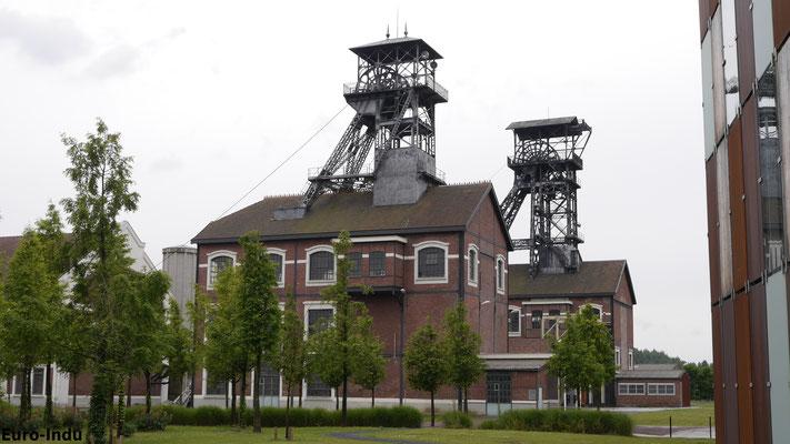 Schacht 9bis und 9. Es war die letzte Kohlen-Tiefbaugrube im Nordfranzösischen Kohlenrevier.