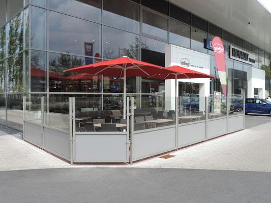 Windschutzanlage an Bäckerei Filiale