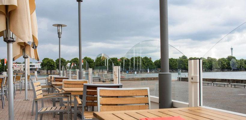 Windschutzanlage am See