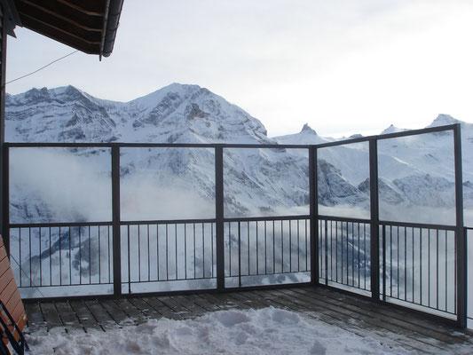 Windschutzwand in den Bergen