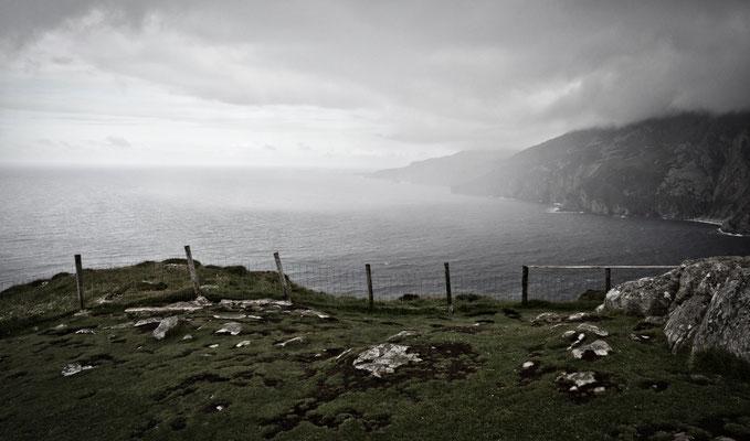 Die steil ins Meer abfallenden Klippen gehören mit ihren 601 Metern Höhe zu den höchsten Klippen Europas.