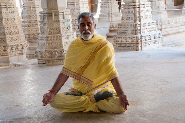 Im Jain-Tempel, Ranakpur, 1444 Säulen