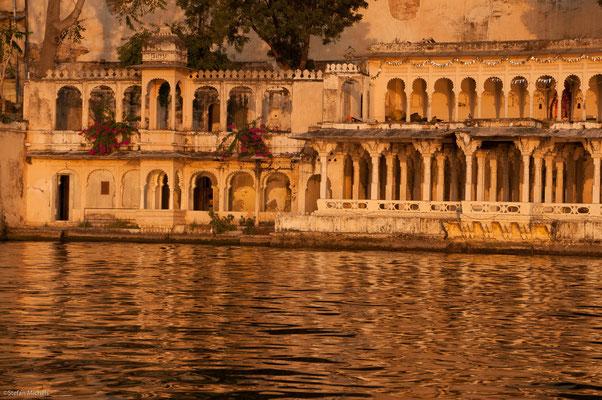 Abendstimmung in Udaipur am Pichola-See