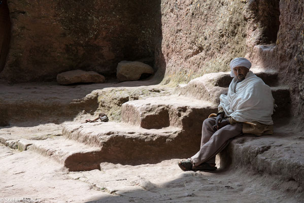 Lalibela -In seiner Kindheit hatte Lalibela einige Zeit in Jerusalem gelebt und so konnte er die Kirchen aus seiner Erinnerung nachbauen.