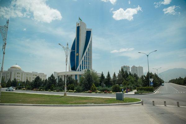 Ashagabat hat die meisten Marmorbauten der Welt!