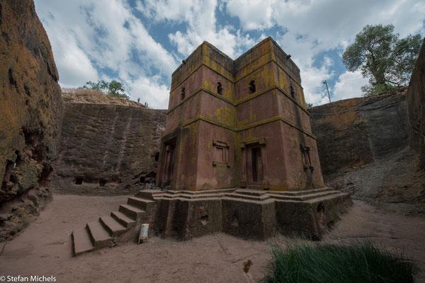 Lalibela -Die Kirchen dienen noch immer ihrem ursprünglichen Zweck und werden von äthiopisch-orthodoxen Pilgern aufgesucht.