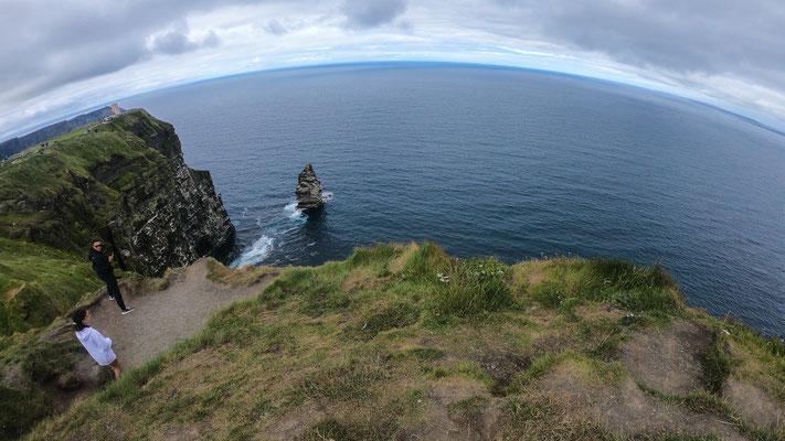 Die Klippen ragen an vielen Stellen nahezu senkrecht aus dem atlantischen Ozean und erstrecken sich über mehr als acht Kilometer.