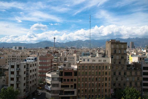 Blick aus dem Hotel in Teheran  in Richtung Norden.
