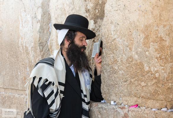 orthodoxe Juden an der Klagemauer.