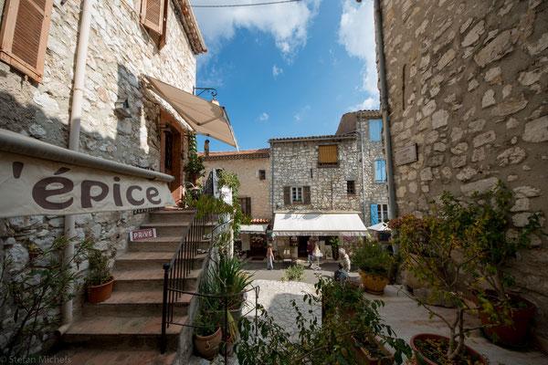 Sie ist als eines der Plus beaux villages de France (schönste Dörfer Frankreichs) klassifiziert.