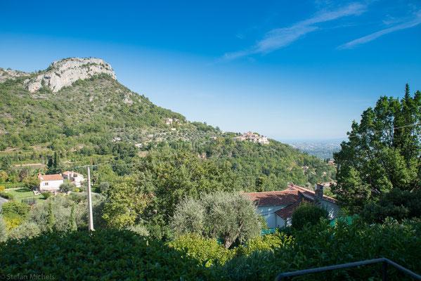 Blick von unserer Terrasse auf Vence und Nizza.
