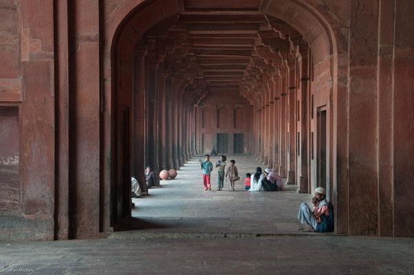 Königspalast, Der Herrscher Agbar verlegte seien Sitz dann nach Lahore