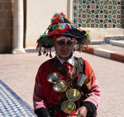 Meknes - Die berühmten Wasserverkäufer - ein beliebtes Fotomotiv- natürlich nur gegen Entgelt.