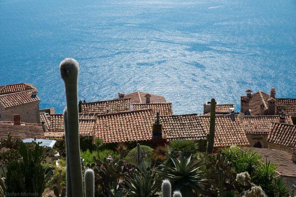 An der Mittleren Corniche (Küstenstraße) befindet sich Èze Village (Höhe 430 m).