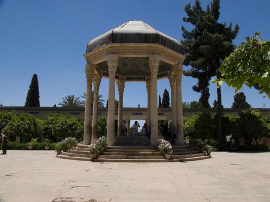 Grabmahl des Dichter Hafis, einer der bedeutendsten Söhne des Irans.