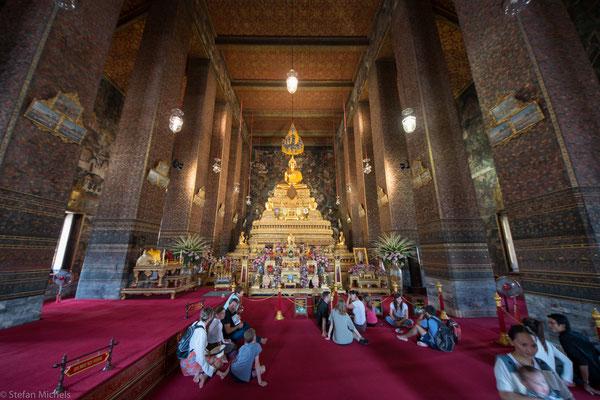 In der Stadt gibt es über 400 Wats (buddhistische Tempelanlagen).