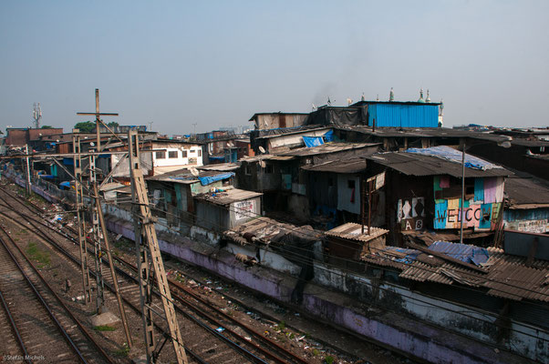 Häuserfront in Dharavi