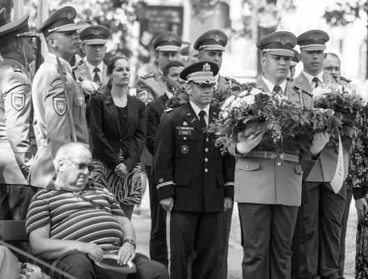 Am Ende des Ersten Weltkriegs gelangte die Stadt durch Beschluss der Alliierten zu der 1918 neu gegründeten Tschechoslowakei, trotz gegenteiligen Willens der Bevölkerung.